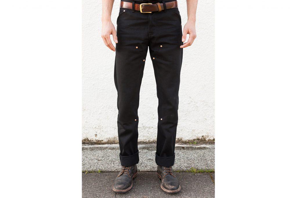 Рабочие джинсы с усиленными коленями Grease Point. Изображение с Grease Point