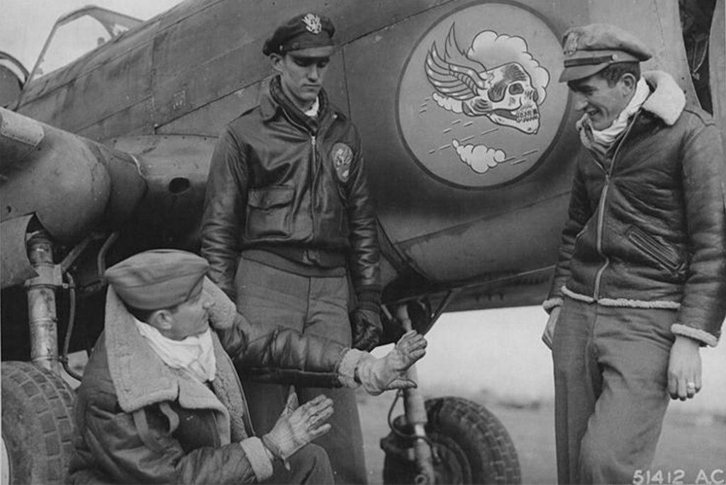 Летные куртки. (Слева направо) A-2, B-3 и B-6. Изображение c Sierra Hotel Aeronautics