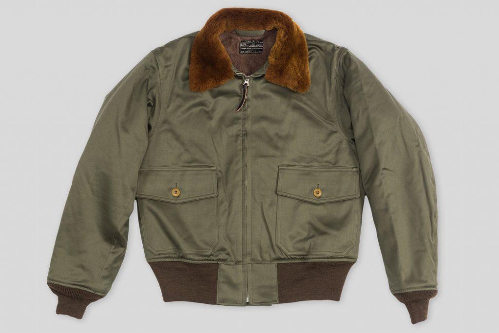 Репродукция куртки B-10 от The Real McCoy's. Изображение с Standard & Strange.