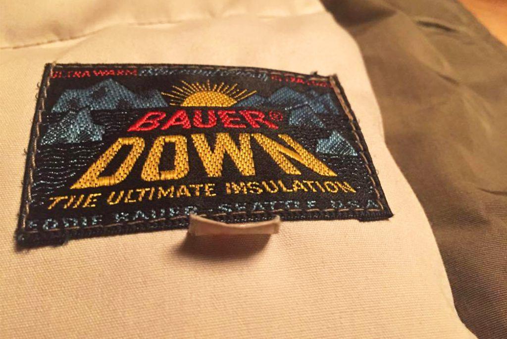 Знак «Sundowner» 1960-х годов на винтажной парке Eddie Bauer. Изображение с Мадс Якобсен.